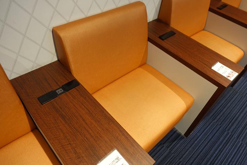スタンダードな座席