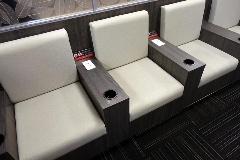 クッションタイプの座席